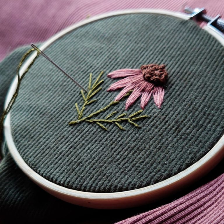 Stickbild Herbstblume